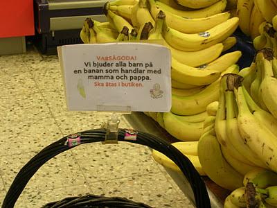bananer och lapp med syftningsfel. foto: Reb Dutius