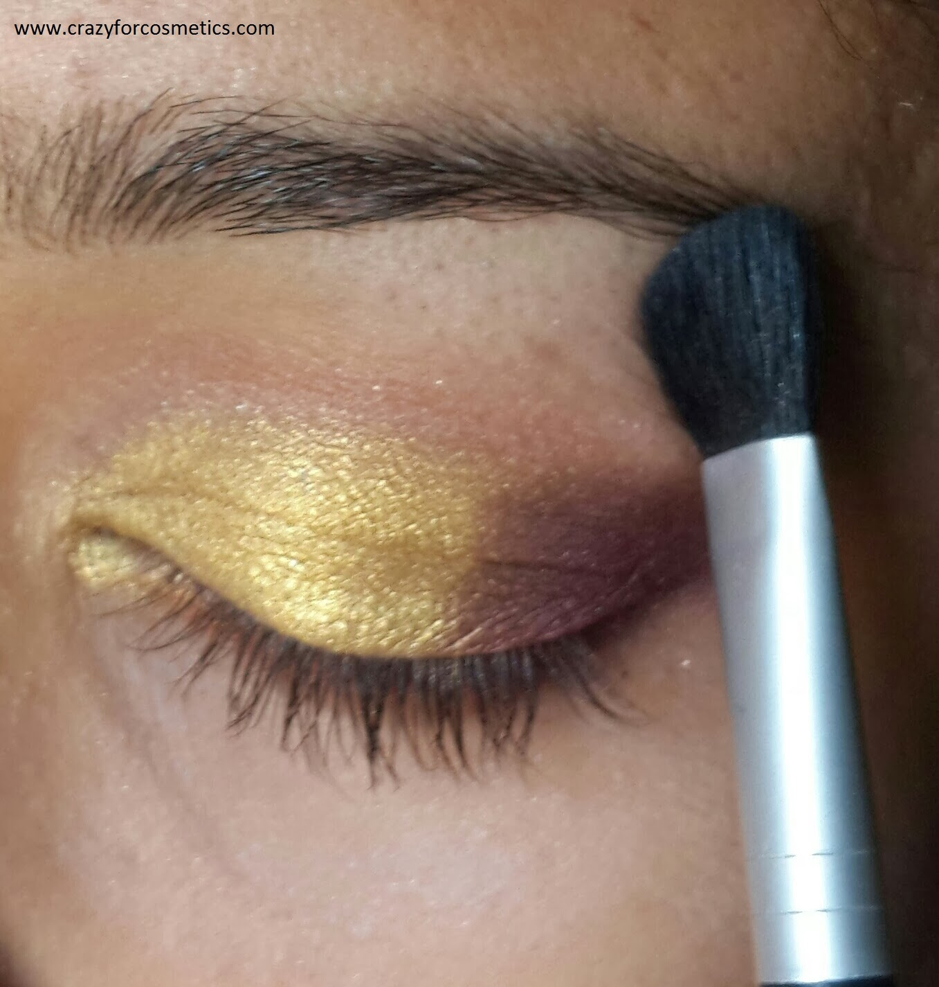 highlighting the browbone-arabic eyeshadow tutorial-arabic dramatic eyemakeup
