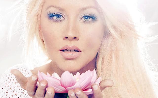Christina Aguilera Pink Lotus