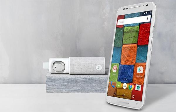Motorola Moto X comes with a free Moto Hint