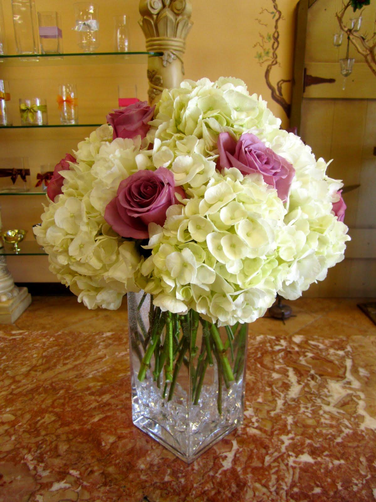 Hydrangea Centerpieces In Square Vases : Bernardo s flowers rose hydrangea square glass vase arr