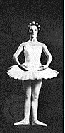 http://www.ballet-pointe.com/Ballet-positions-ballet-terms.html