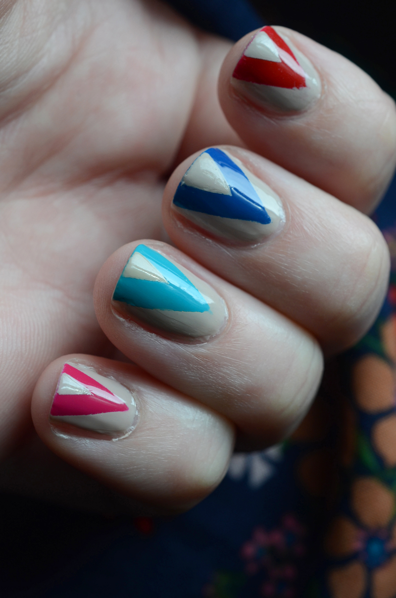 Modern Chevron Nail Art - Chevron Nails
