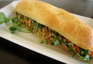 Shredded Pork Skin with Bread Recipe (Bánh Mì Bì Heo) 4