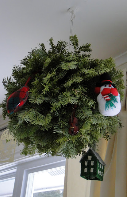 Christmas Kissing Ball With Ornaments