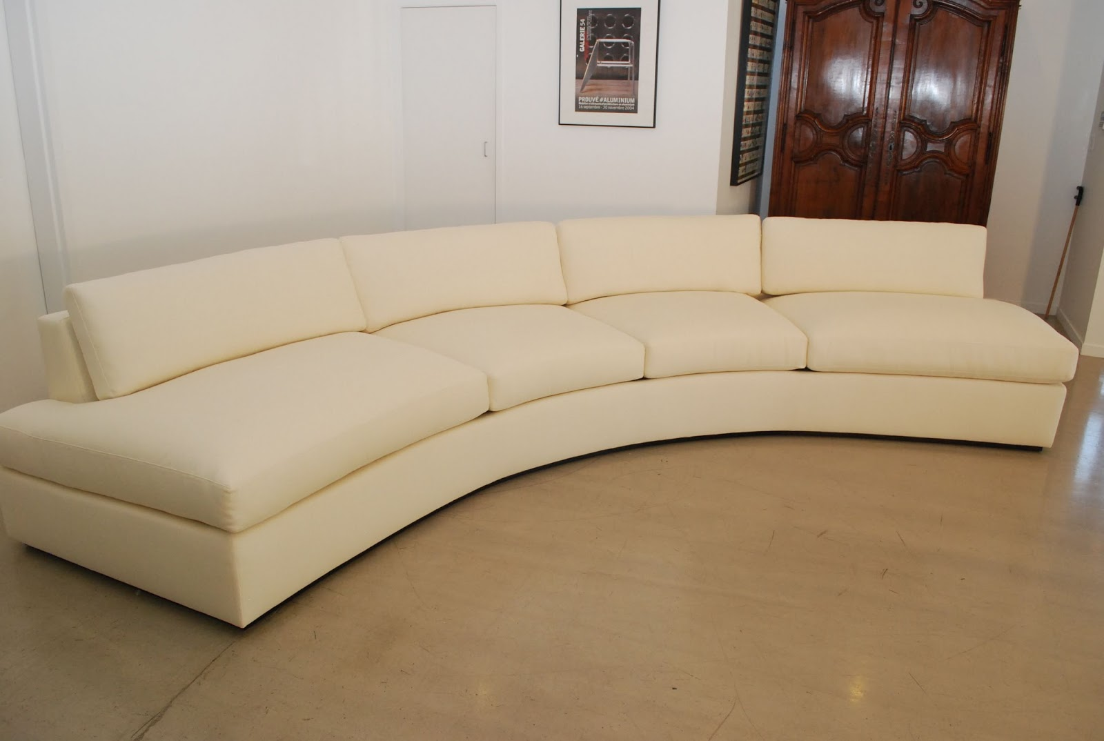 Classic design milo baughman inspired curved sofa Curved loveseat sofa