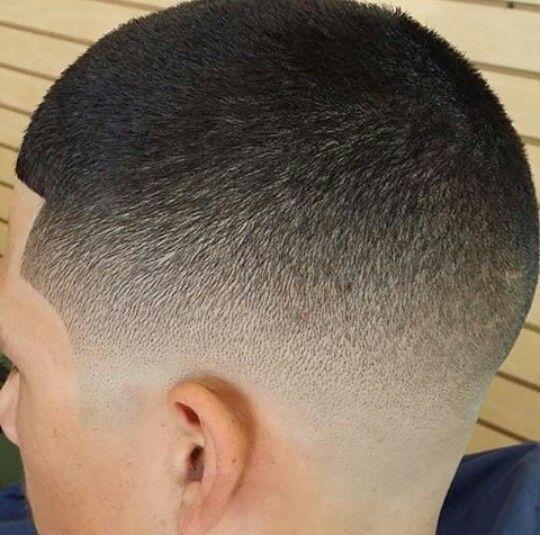 Corte de pelo degrade en v