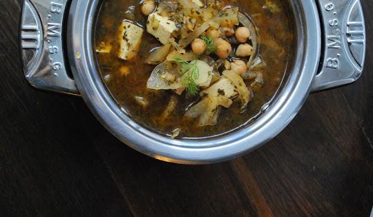 Zupa z kopru włoskiego z ciecierzycą i tofu