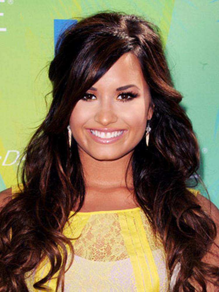 Demi Lovato Fresh Brunette Hairstyles