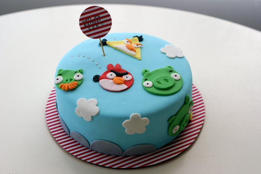 Pictures Of Angry Birds Birthday Cakes : Coco Cake Land - Cakes Cupcakes Vancouver BC: Angry Birds ...