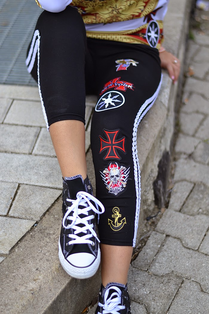 leggings con patches