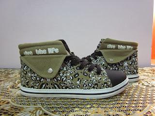 Làm đẹp với giày cho nữ mùa đông 2013