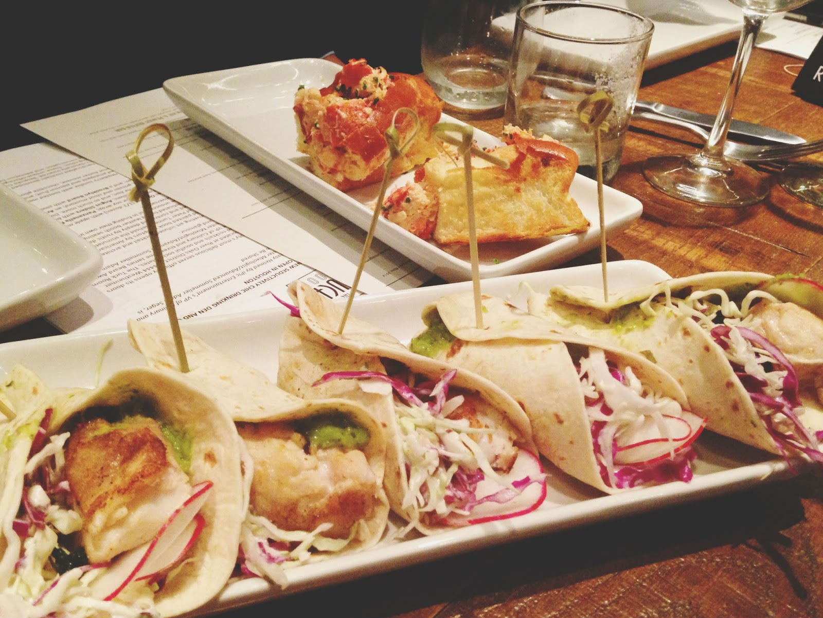 houston food drinks fish tacos tuck room restaurant 19