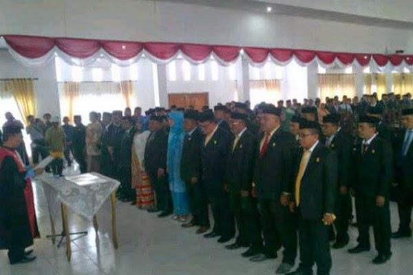 35 Anggota DPRD Muna Dilantik