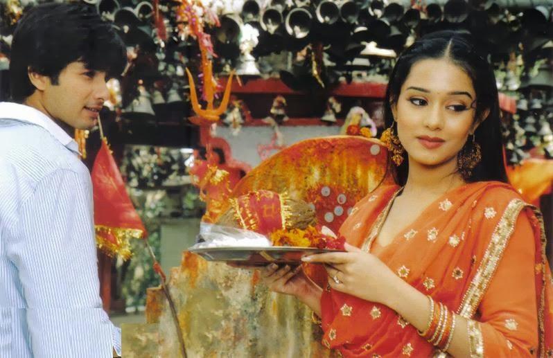 Image result for shahid amrita rao vivaah stills