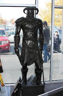 Dragonborn/Dovahkiin statue