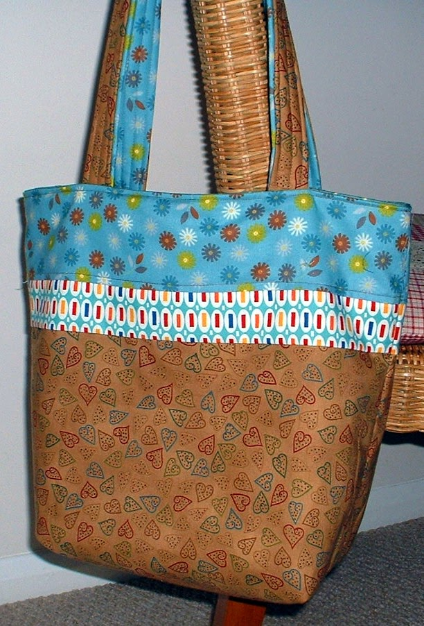 http://www.craftsy.com/pattern/sewing/accessory/sale---anita-vacation-tote-pdf-pattern/24738?ext=craftlet-pattern