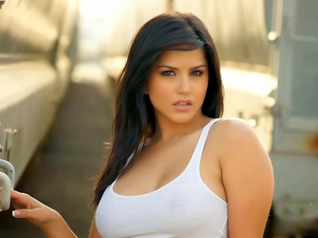 Sunny Leone Hot and Sexy Photos