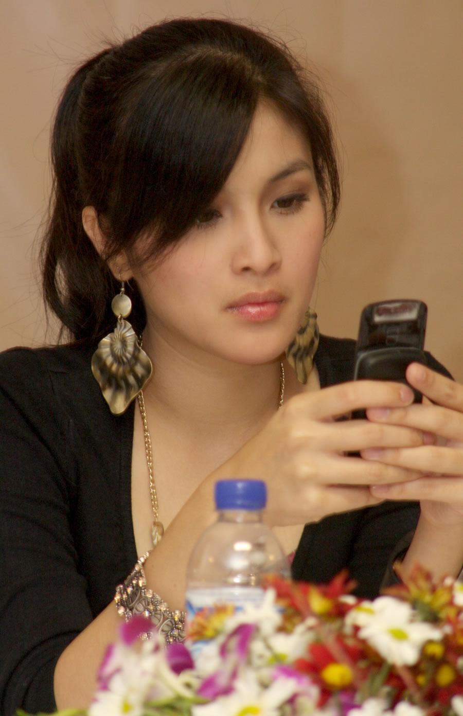 Sandra Dewi | Cewek Cantik | Pinterest