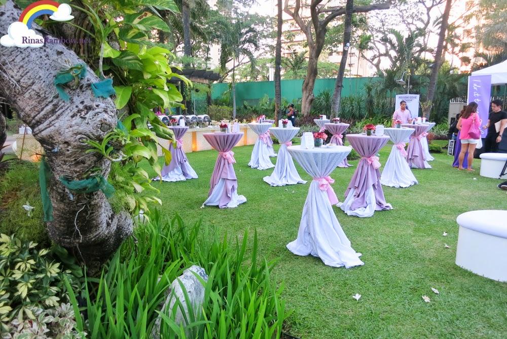 cocktail garden setting