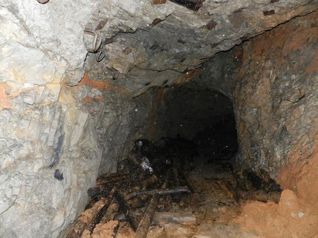 """""""Зомби"""" пещера"""
