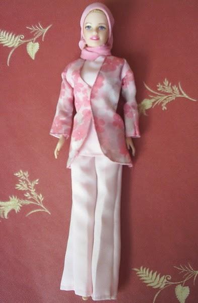 Gambar boneka barbie muslim untuk terbaru
