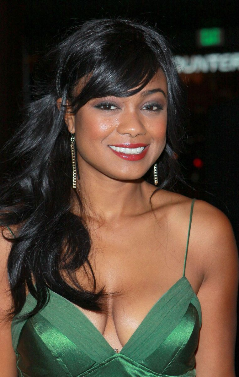 Tatyana Ali Sweet Cleavage At NAACP Theatre Awards In LA 01 Amateur Asian Teen Dress Up For Some Sexy Role Play