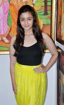 Alia Bhatt unveil the 'Splassh' painting exhibition