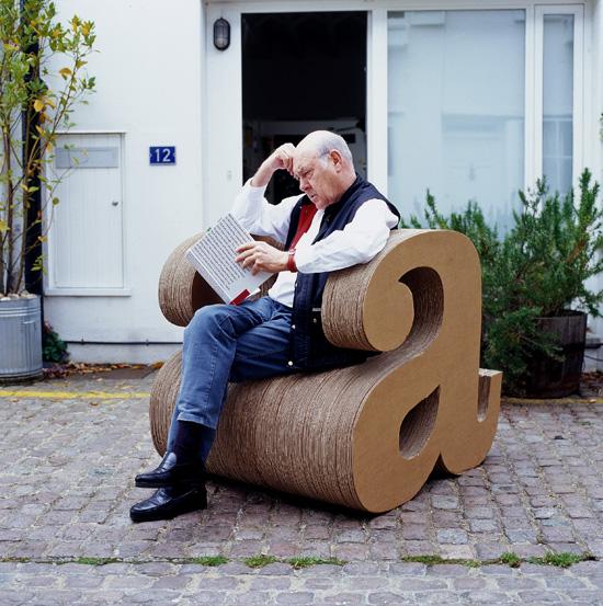 furnitur kreatif dari kertas kardus