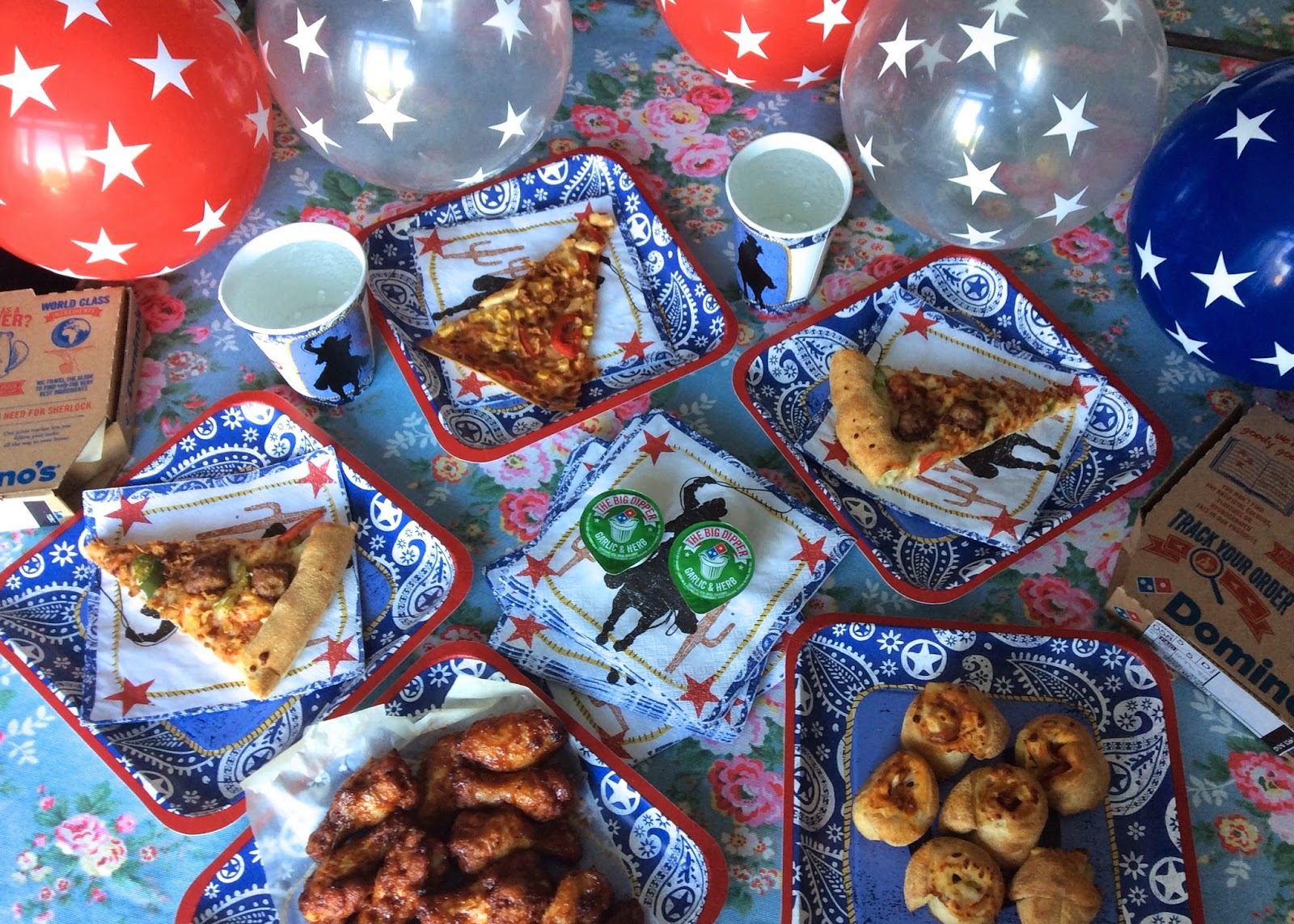 flutter and sparkle: Texas BBQ pizza party with Dominos.co.uk