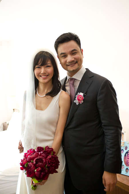 Taiwan Singer Actress Christine Fan Married Her Fiance Popular Entertainer Charles Blackie Chen The Two Long Term Love Birds Held A Grand Wedding