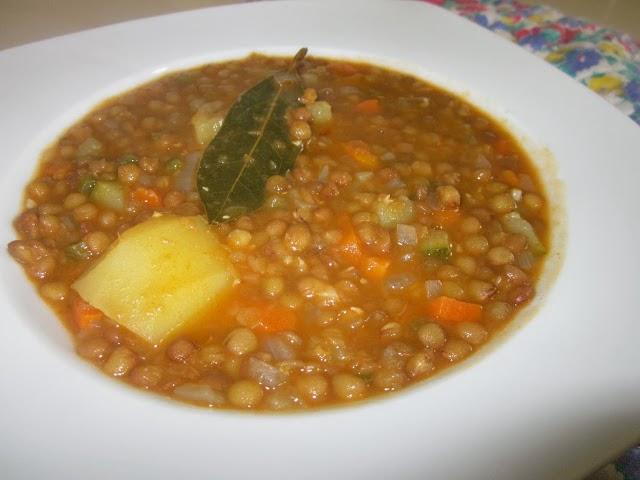 Recetas con legumbres cocinar con amigos for Cocinar lentejas con verduras