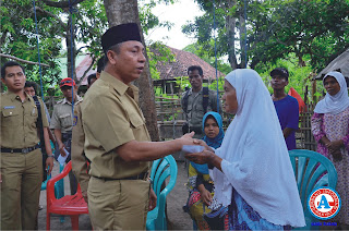 Aji Man Serahkan Bantuan  kepada Korban Tersengat Listrik