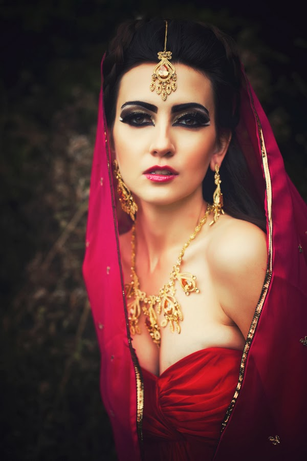 red and gold modern hindu sari, fashion blogger uk, asian makeup tutorial, арабский макияж, russian fashion bloggers