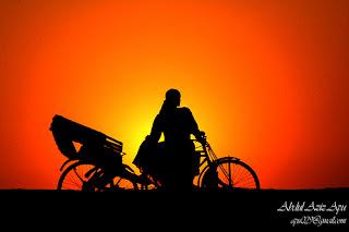 Riskshaw-puller-in-Bangladesh