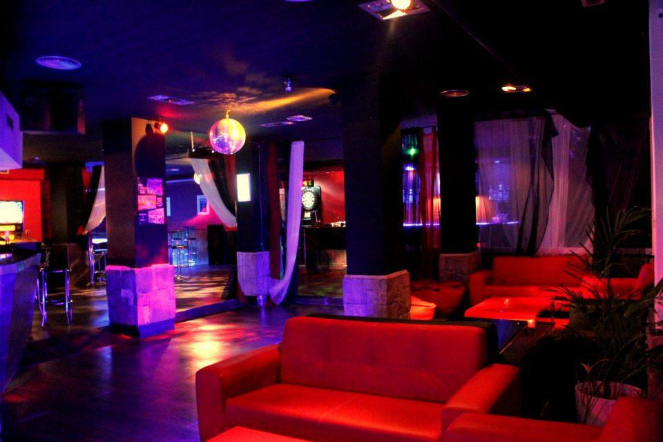 Seventycaf seventy caf bar de copas situado en la - Decoracion de bares de copas ...