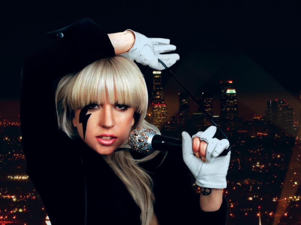 http://1.bp.blogspot.com/-dtsc0n6_Lv8/TqCpBTumVxI/AAAAAAAACB8/RAEnSfYHlPo/s1600/Lady+Gaga.jpg
