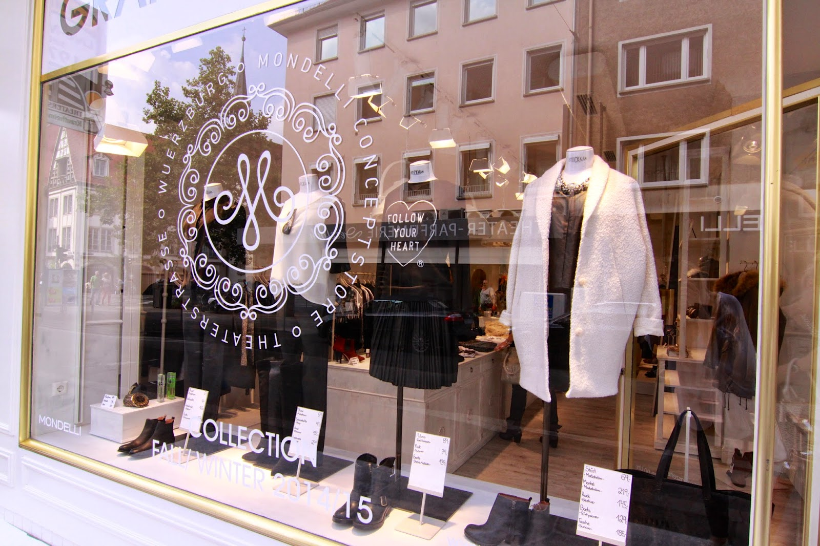 Schaufenster des Mondelli Concept Stores Würzburg