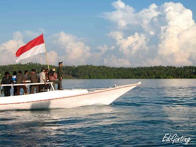 perahu pulau terluar