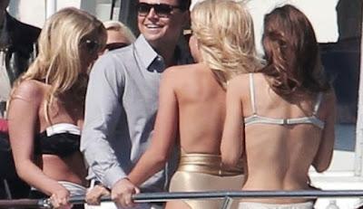 Bukannya Hadir Ke Oscar 2013, Leo DiCaprio Malah Pesta Gila Bareng Gadis-gadis Berbikini