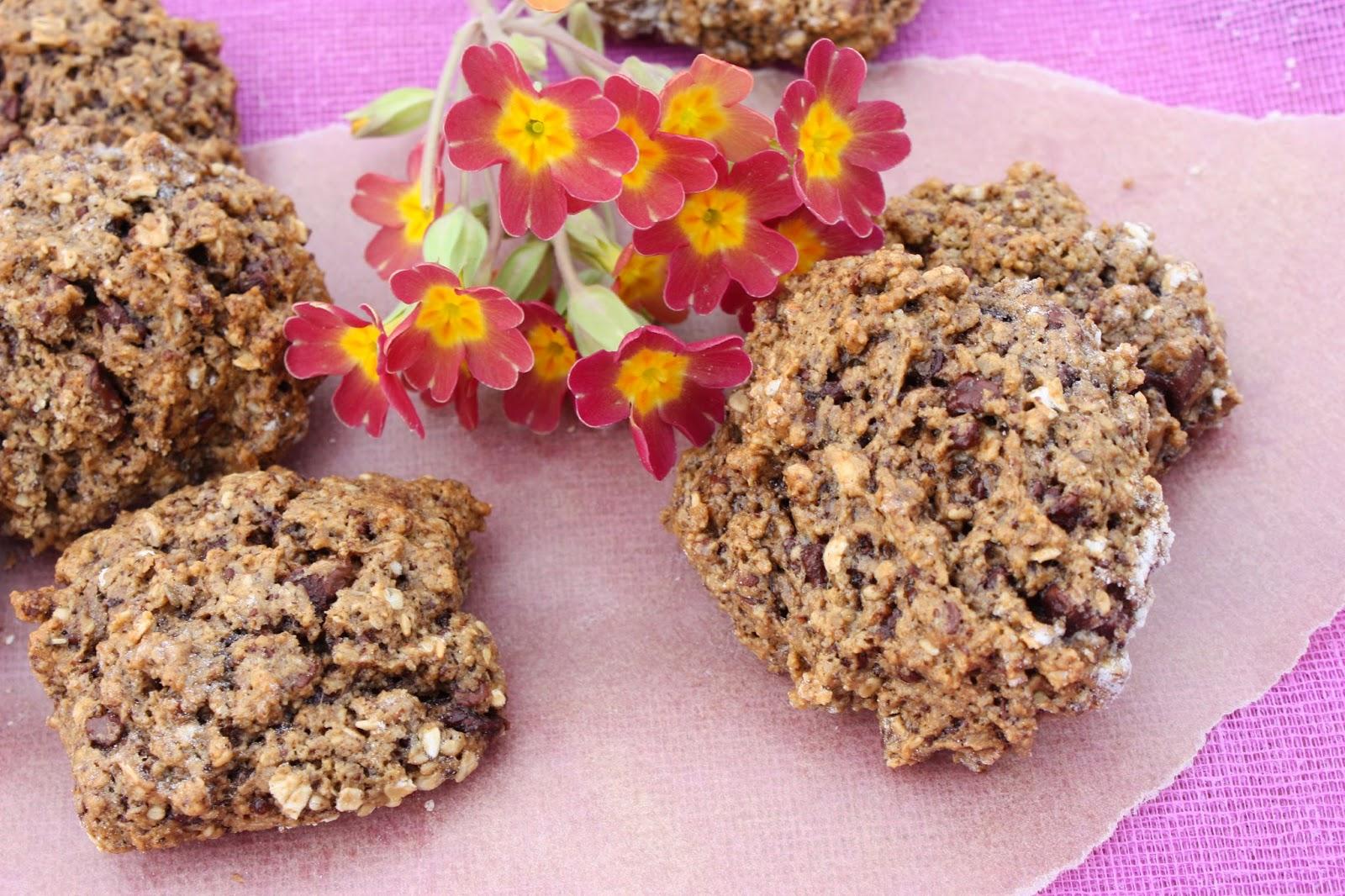 http://cocottechlorophylle.blogspot.fr/2014/03/cookies-au-chocolat-graines-de-sesame.html