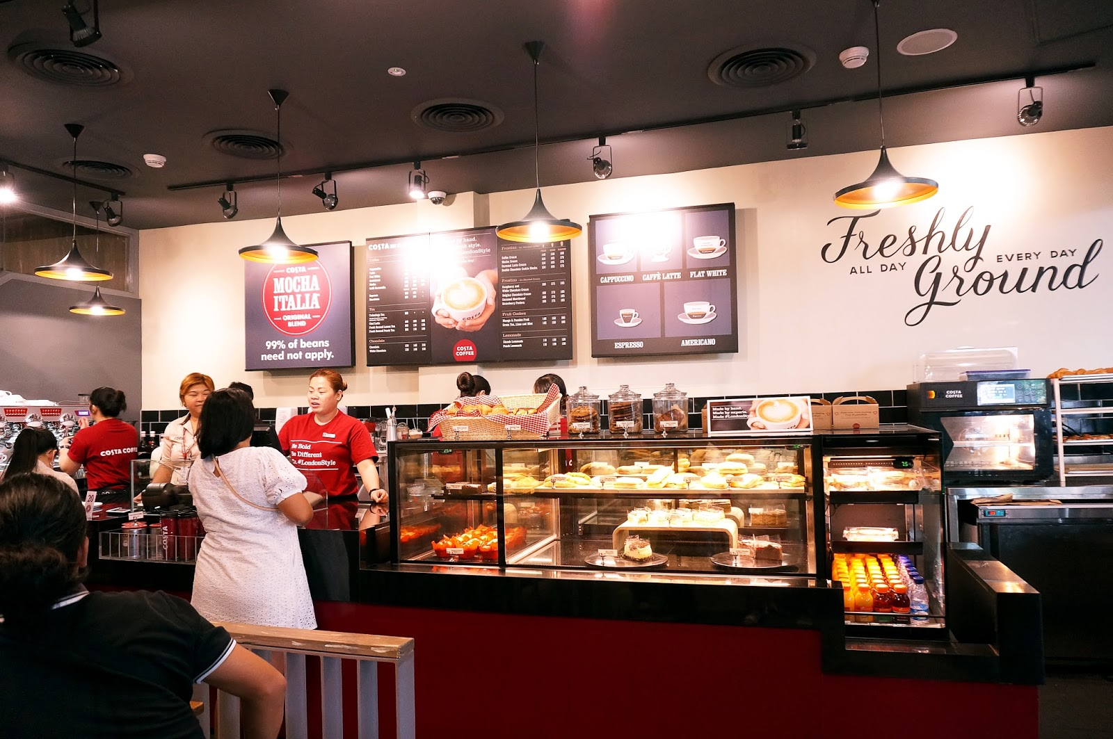 Food: Costa Coffee (cafe visit)