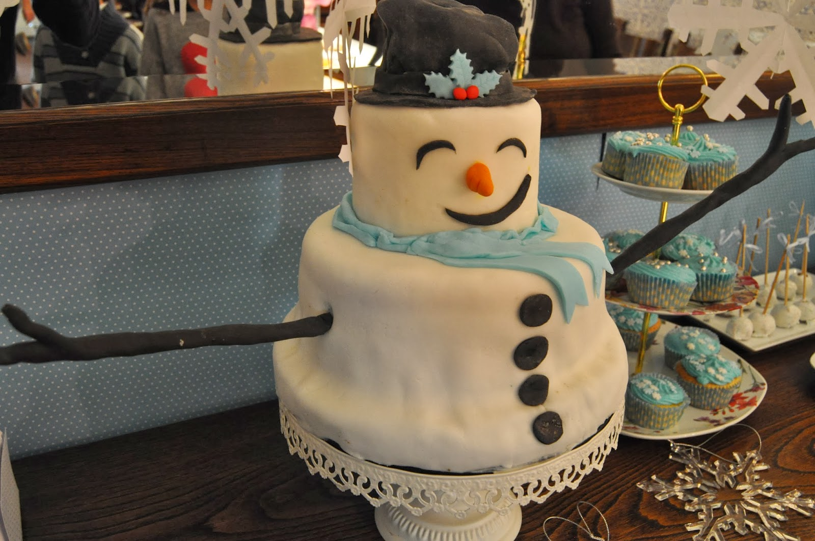 snow themed birthday party @ perfect home