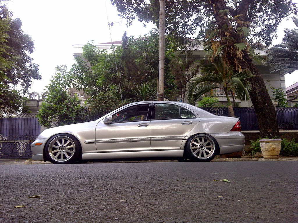 Mercedes benz w203 c240 stance style benztuning for Mercedes benz c240 rims