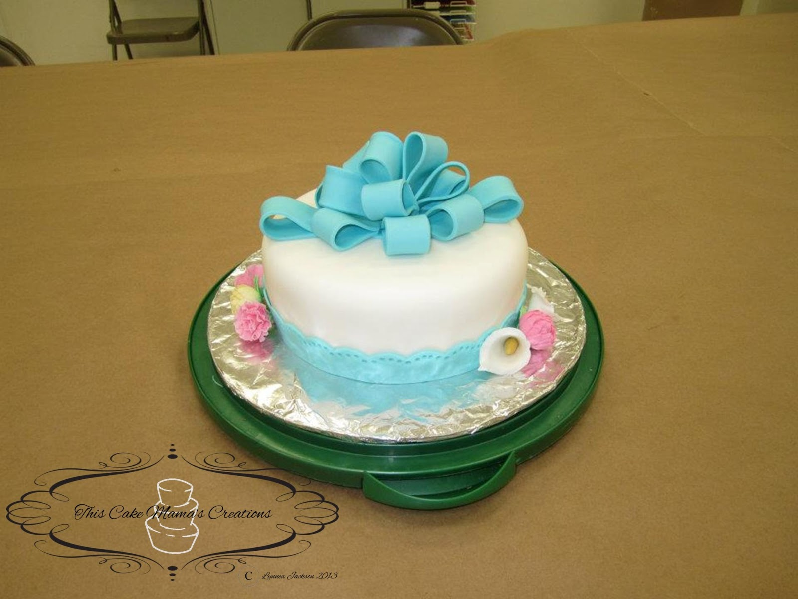 Cake With Fondant Flowers : Cake Mama s Creations: Fondant Flowers