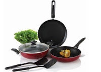 Buy Bajaj Majesty Duo Non-Stick Cookware at Rs. 725 with Free Spatula at Amazon