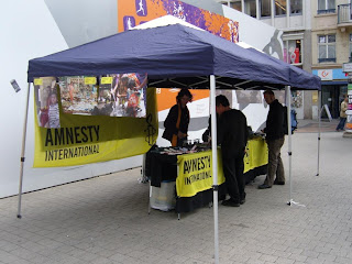 http://amnesty-luxembourg-photos.blogspot.com/2009/05/lancement-campagne-dignite.html