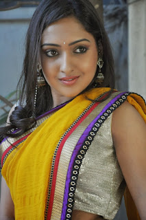 Actress Anjana Pictures in Saree at Nenu Naa Friends Telugu Movie Opening  0010