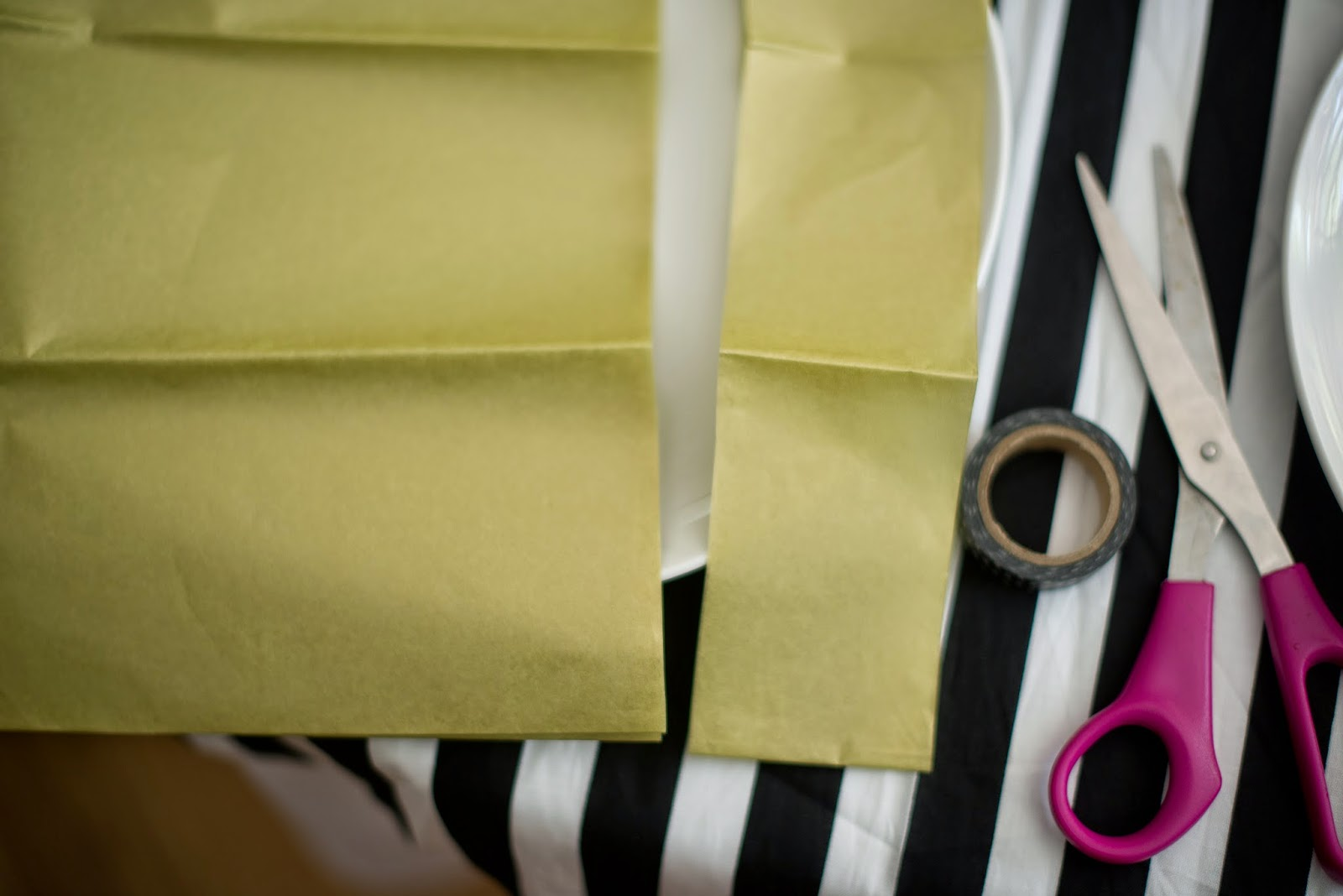 Tissue paper tassel tutorial - For Each Drinking Cup I Made Up These Tissue Paper Tassels With Paper Straws As Stir Sticks It Was An Easy Diy That Helped Dress Up The Table Creating A