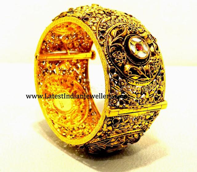 Antique Gold Kada Bangle